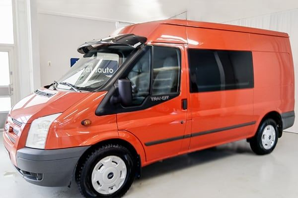 Ford Transit kuorma-auto 3+3 AWD | Loimaan Laatuauto Oy