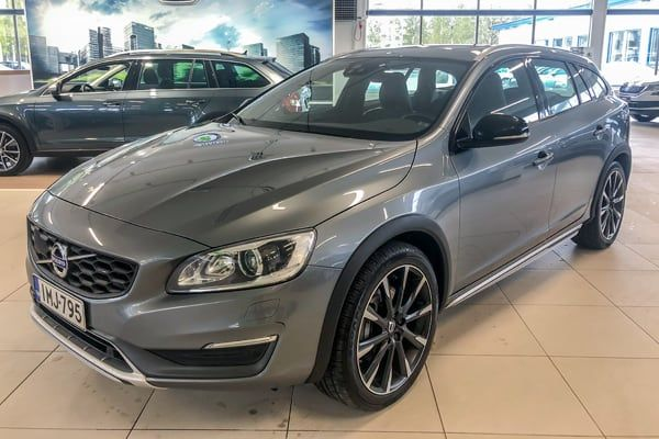 Volvo V60 Cross Country AWD | Loimaan Laatuauto Oy
