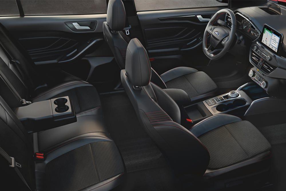 Ford Focus sisätilat |Loimaan Laatuauto Oy